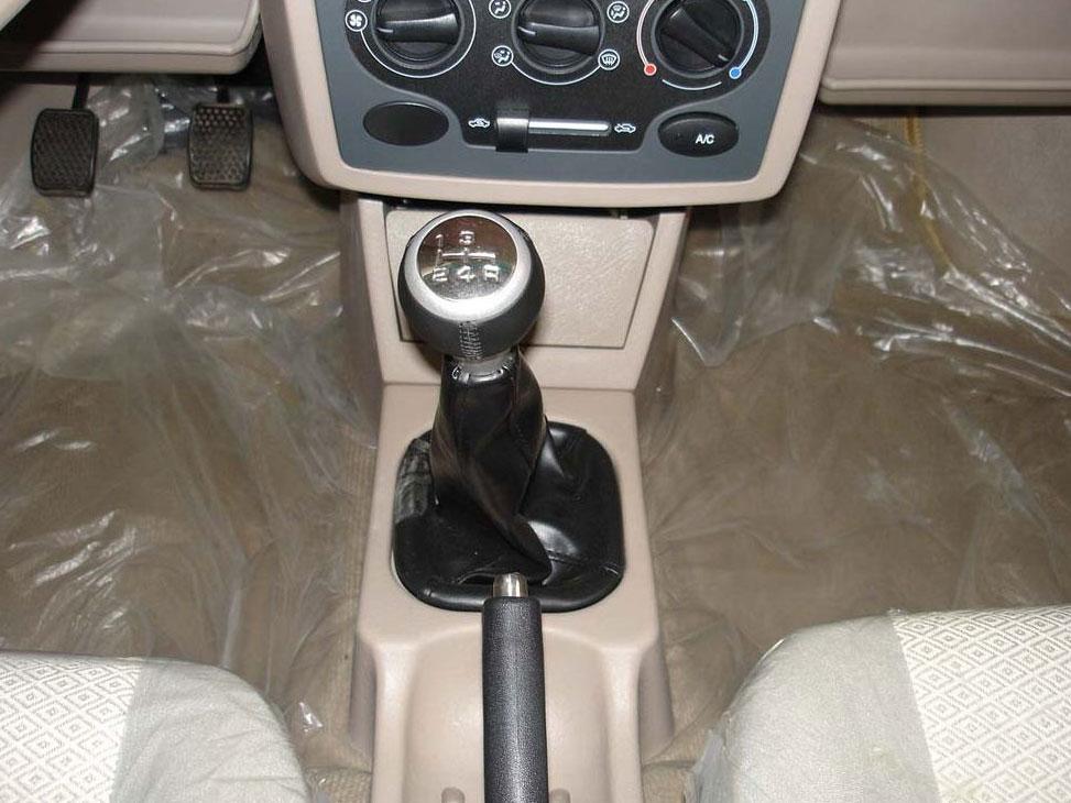 比亚迪 2005款 福莱尔 0.8l 豪华型中控方向盘1174936高清图片