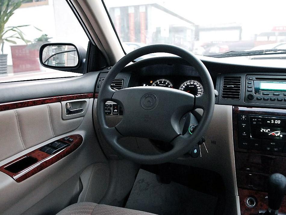 吉利汽车 吉利 远景 1.8 标准型中控方向盘1242532高清图片