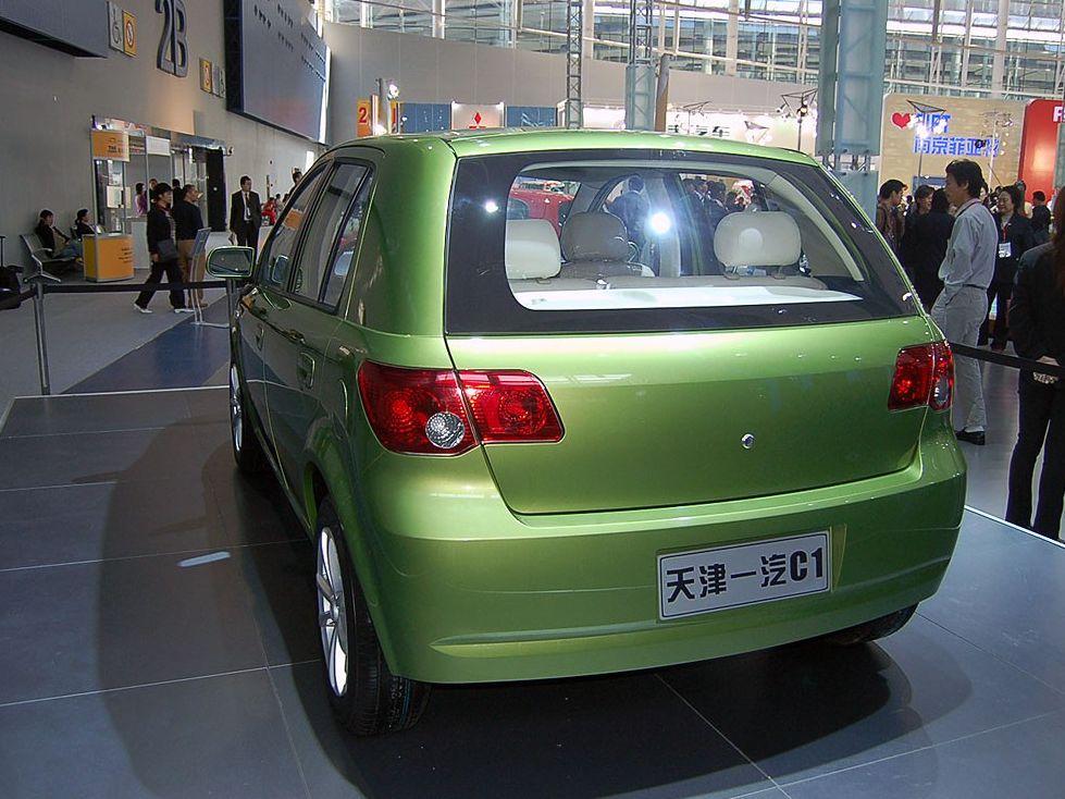 天津一汽 2006款 威志两厢 1.4 豪华型车身外观1248695高清图片