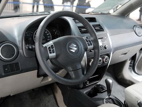 春游用车超值之选 天语SX4三厢超值版