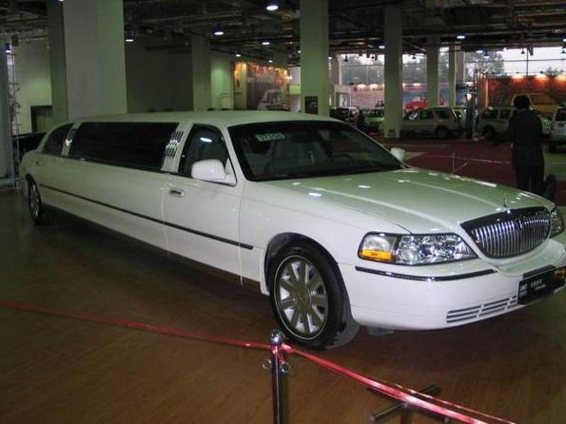 林肯2004款 城市 4.6 加长礼宾车其它与改装图 林肯2004-林肯加长车 高清图片