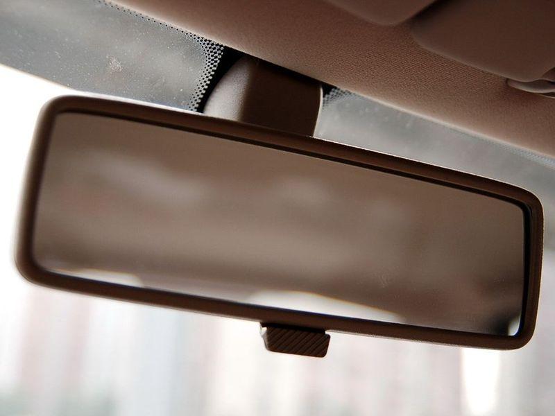 奇瑞汽车 旗云 1.3舒适型车厢座椅1228129高清图片
