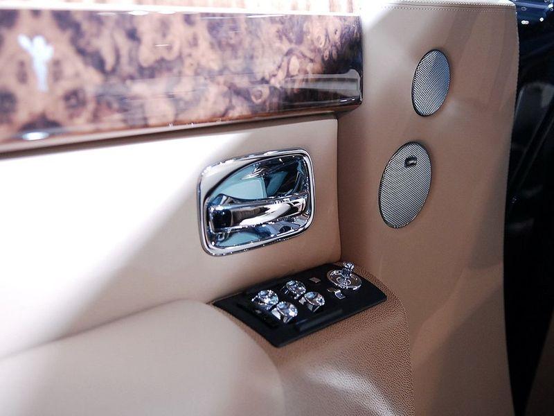 劳斯莱斯 劳斯莱斯 幻影 6.7车厢座椅1239327
