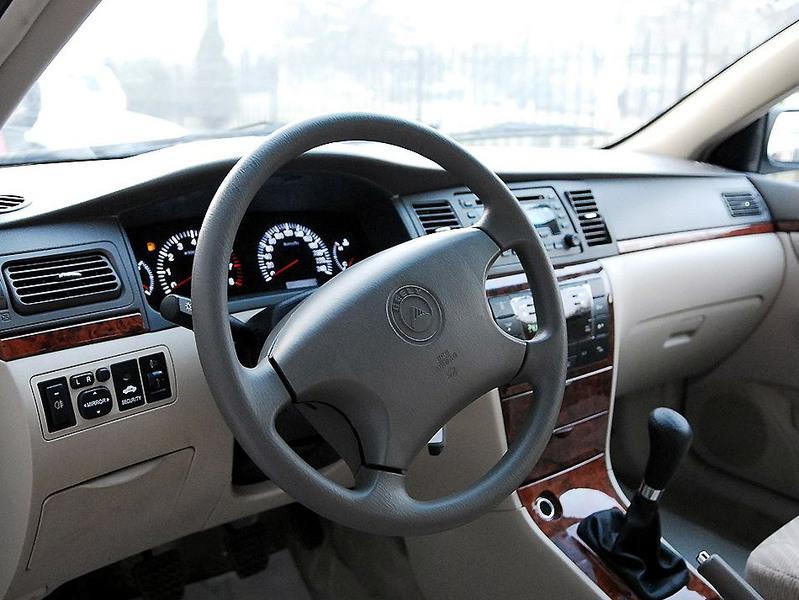 吉利汽车 吉利 远景 1.8 标准型中控方向盘1242501高清图片