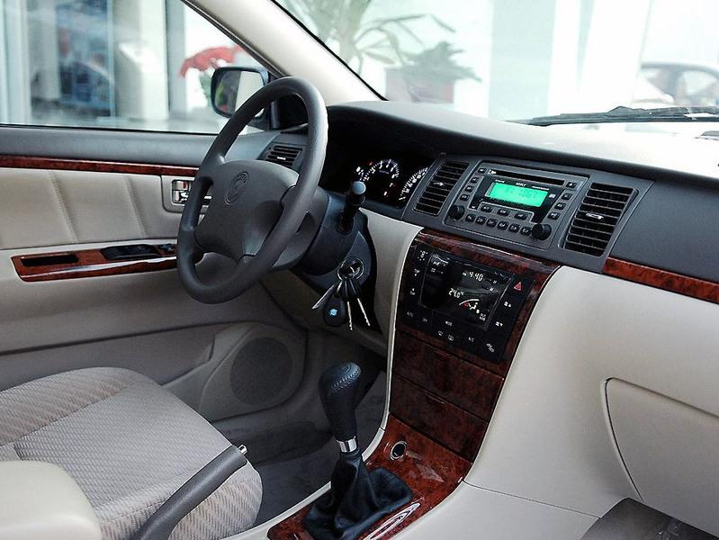 吉利汽车 吉利 远景 1.8 标准型中控方向盘1242517高清图片