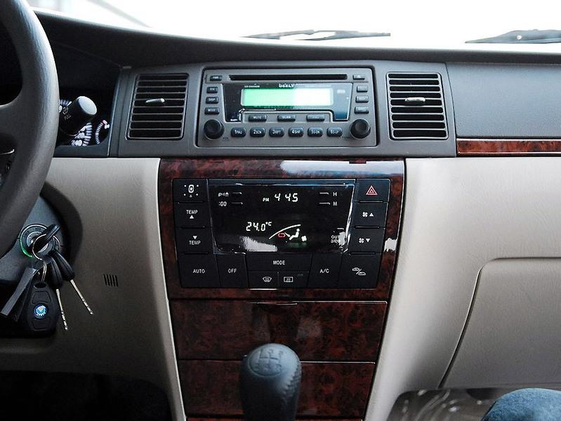 吉利汽车 吉利 远景 1.8 标准型中控方向盘1242534高清图片
