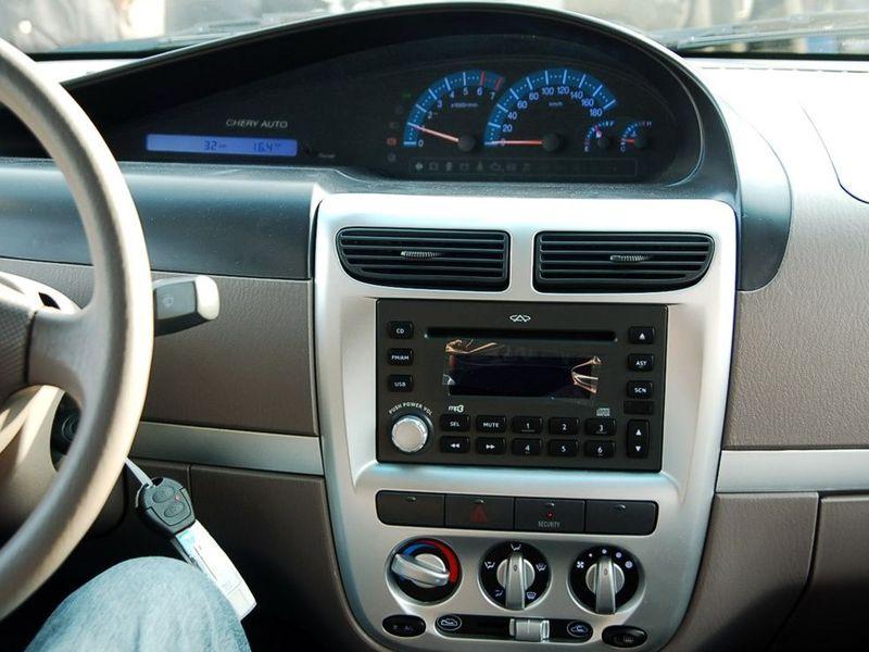 奇瑞汽车2007款 qq6 1.3 手动舒适型中控方向盘图片