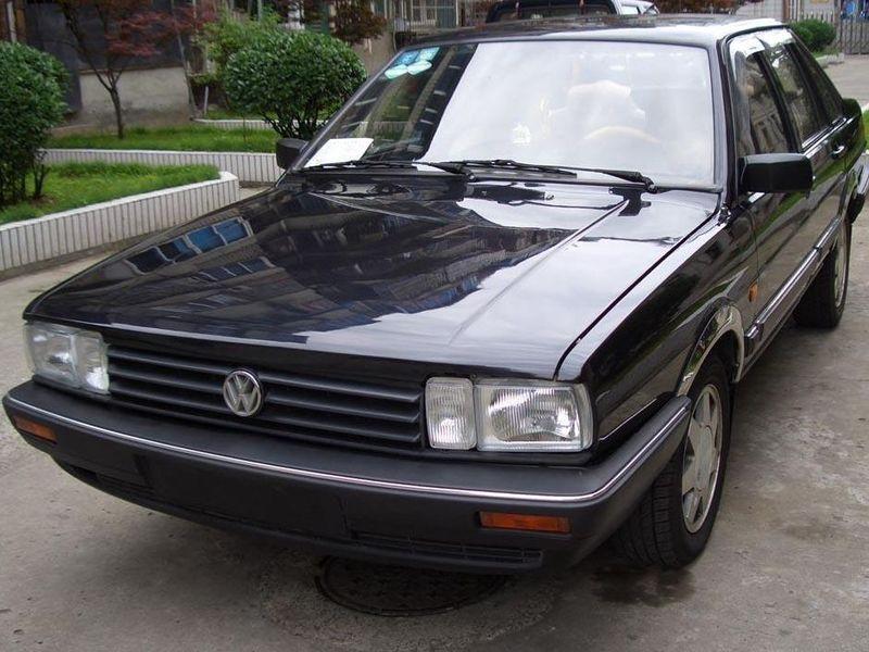 上海大众2004款 桑塔纳 1.8 警用旅行车车身外高清图片