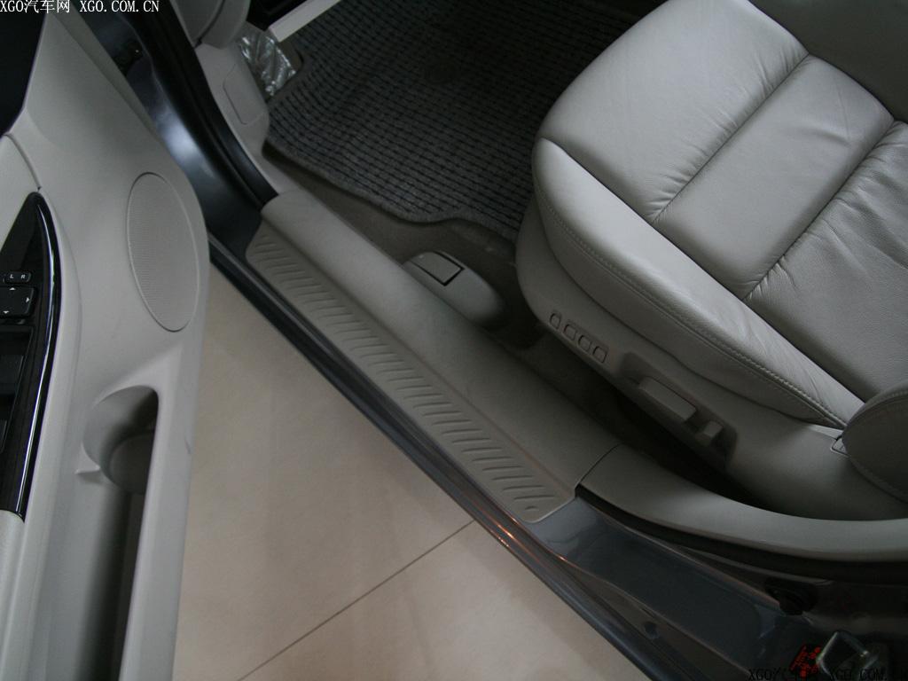 一汽马自达 马自达6 2.0l运动型轿跑车厢座椅1496399高清图片