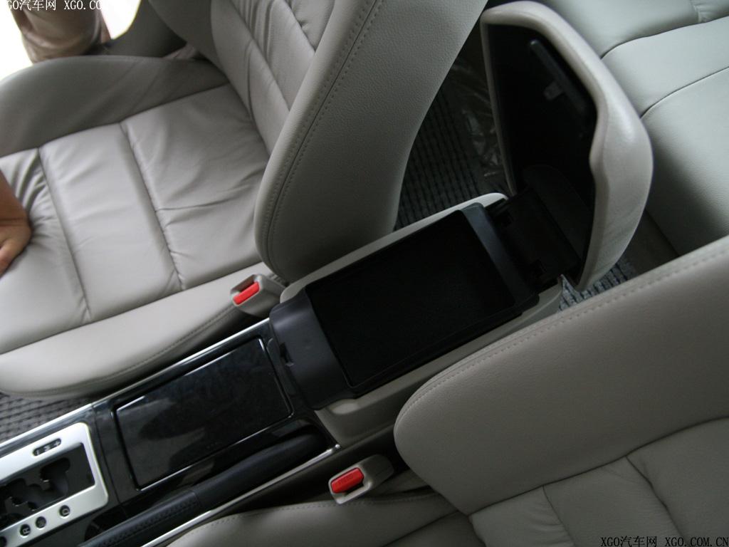 一汽马自达 马自达6 2.0l运动型轿跑车厢座椅1496400高清图片
