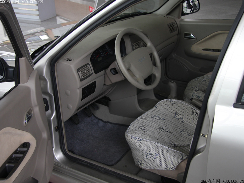 奇瑞汽车 旗云 1.3标准型中控方向盘1484872高清图片