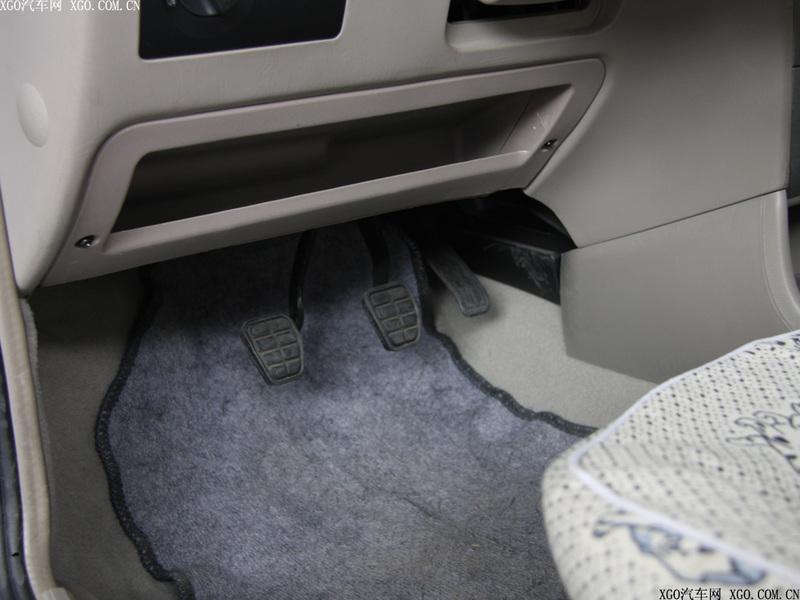 奇瑞汽车 旗云 1.3标准型中控方向盘1484874高清图片