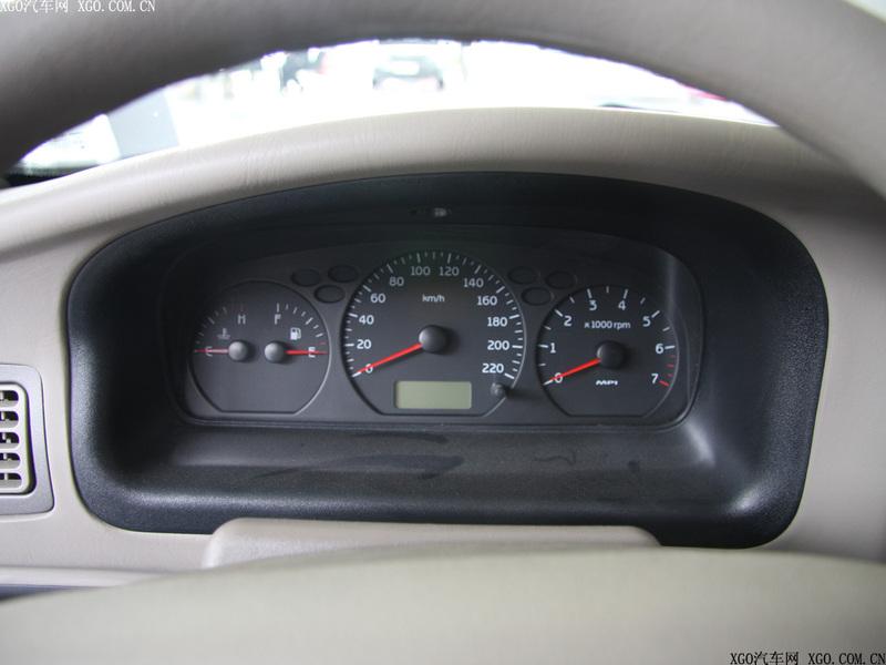 奇瑞汽车 旗云 1.3标准型中控方向盘1484877高清图片
