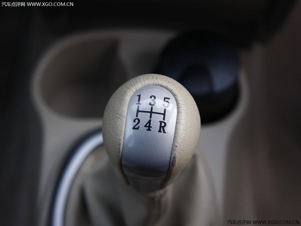 长城汽车 炫丽 1.3L 豪华型中控方向盘2708481高清图片