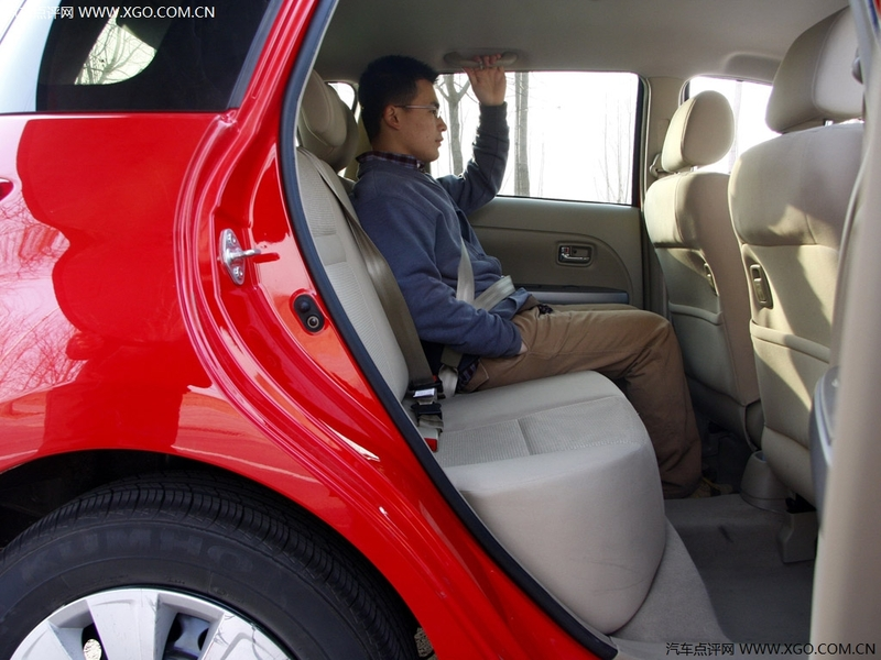 长城汽车 炫丽 1.3L 豪华型车厢座椅2708832高清图片