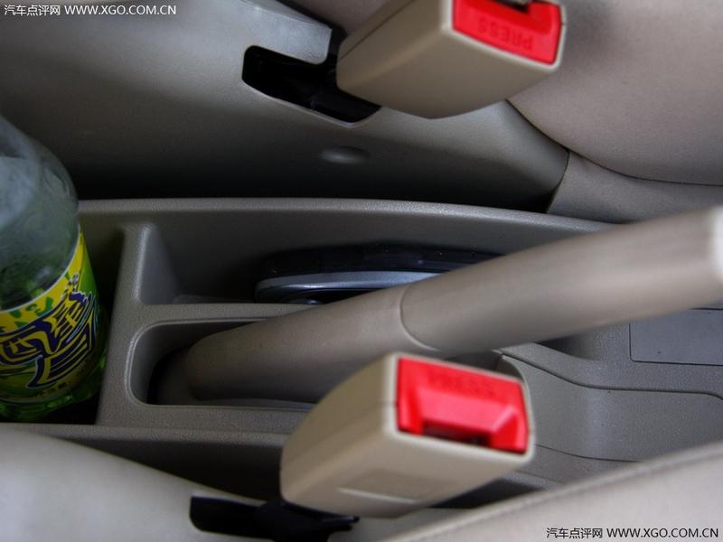 长城汽车 炫丽 1.3L 豪华型车厢座椅2708907高清图片