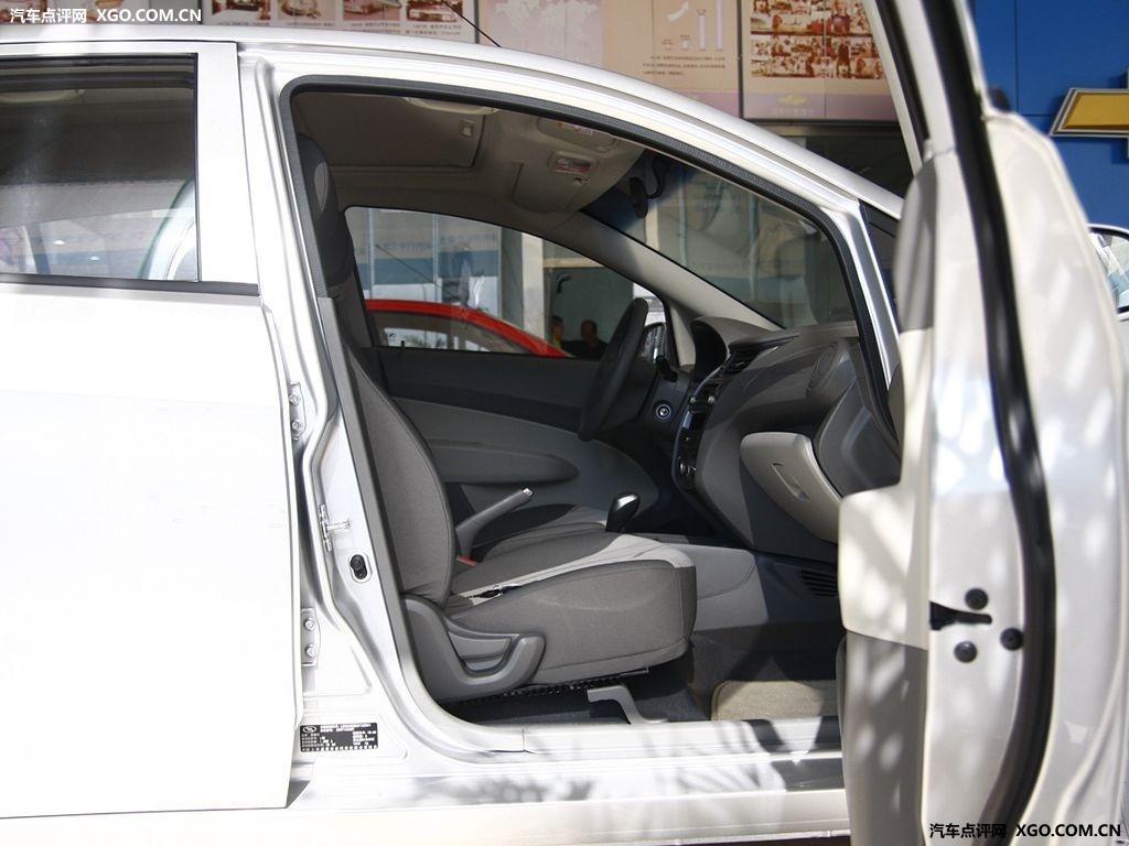 通用雪佛兰 新赛欧 1.4 两厢车厢座椅2883375高清图片