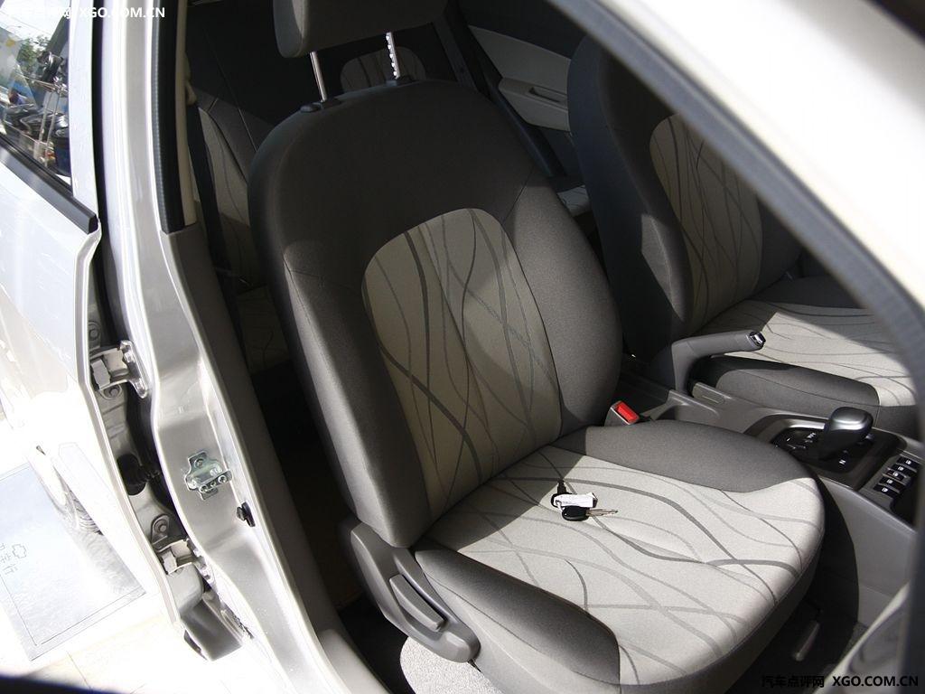 通用雪佛兰 新赛欧 1.4 两厢车厢座椅2883380高清图片
