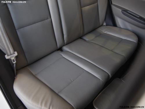 舒适便利动力适中 试驾长安悦翔两厢