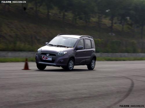 精致好开 动态体验迷你SUV长城哈弗M1