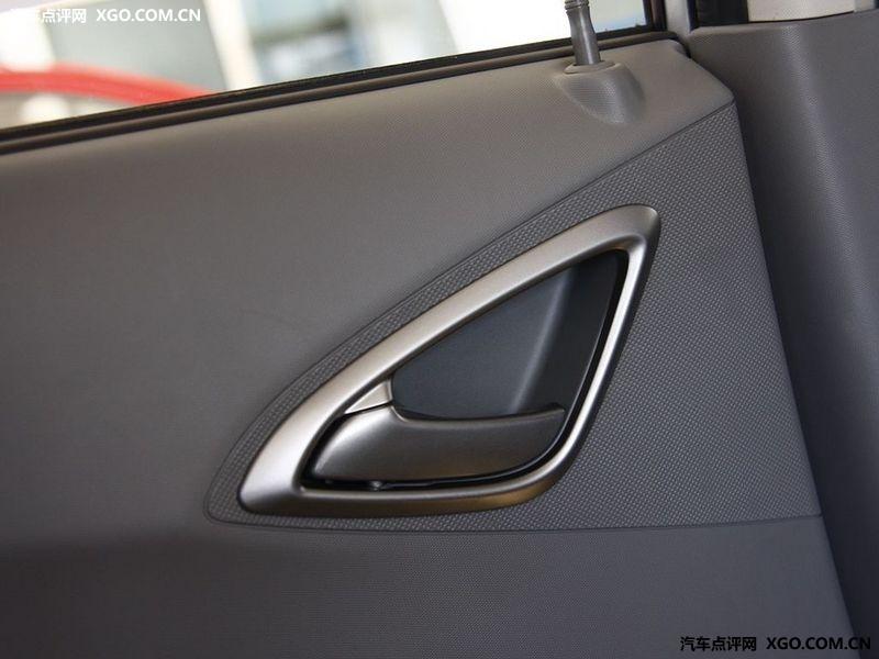 通用雪佛兰 新赛欧 1.4 两厢车厢座椅2883425高清图片
