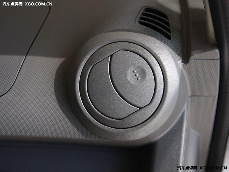 通用雪佛兰 新赛欧 1.4 两厢中控方向盘2883519高清图片