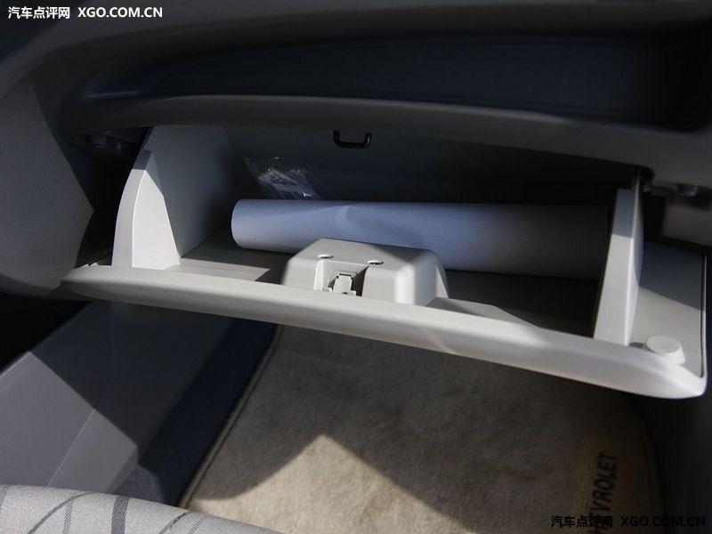 通用雪佛兰 新赛欧 1.4 两厢中控方向盘2883523高清图片