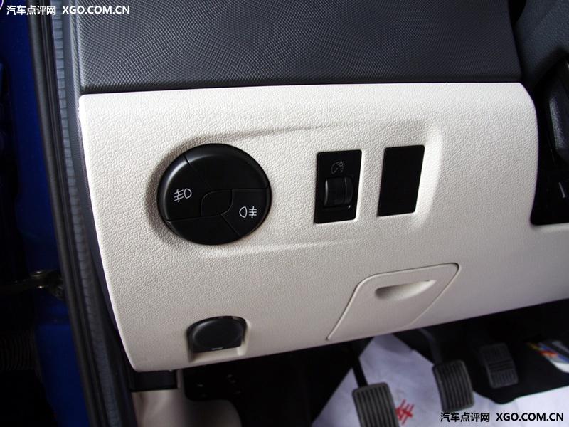 江淮汽车 同悦RS 1.3L 豪华型中控方向盘2826561高清图片