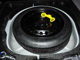 沃尔沃S40备胎