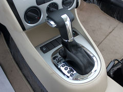 从容湿滑路面 配防滑系统紧凑型车推荐