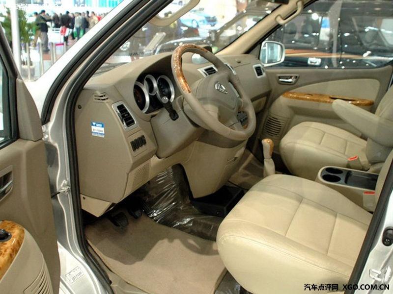 福田汽车2010款 蒙派克 财富快车标准版m240车厢座椅图片2939691 高清图片