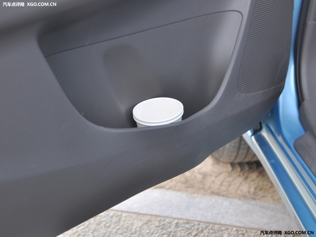 一汽丰田 威驰 GLX i 天窗版AT车厢座椅3045448高清图片