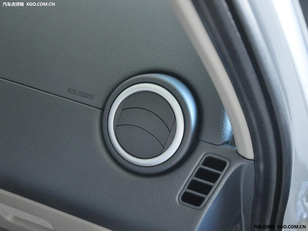 长安铃木 天语SX4 两厢 1.6AT 舒适型中控方向盘3030762高清图片