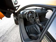超跑对决 法拉利458对战迈凯轮MP4-12C
