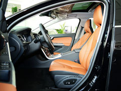 运动中型车 一汽-大众CC对比沃尔沃S60