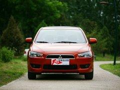 三菱翼神最高优惠1.3万元 店内现车销售