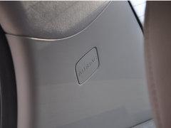 内饰动力改进偏多 实拍2011款奔腾B70