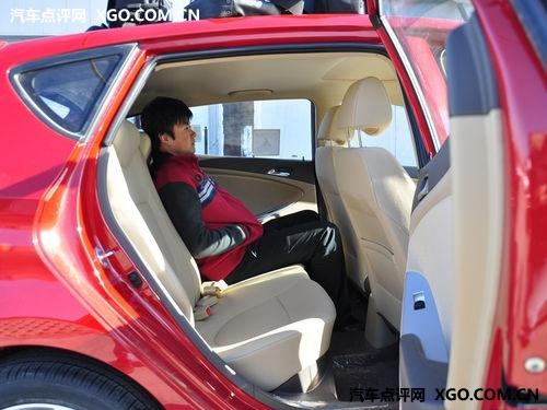 都是热销小型车! 起亚K2对比现代瑞纳
