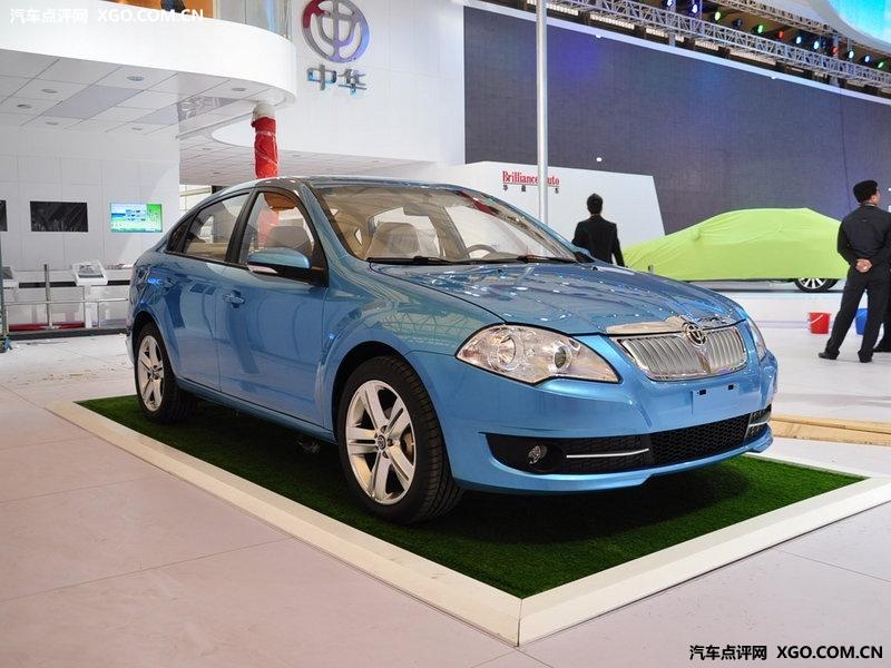 华晨中华名士蓝2011款 骏捷fsv 1.5mt舒适型车身外观图片3058554 高高清图片