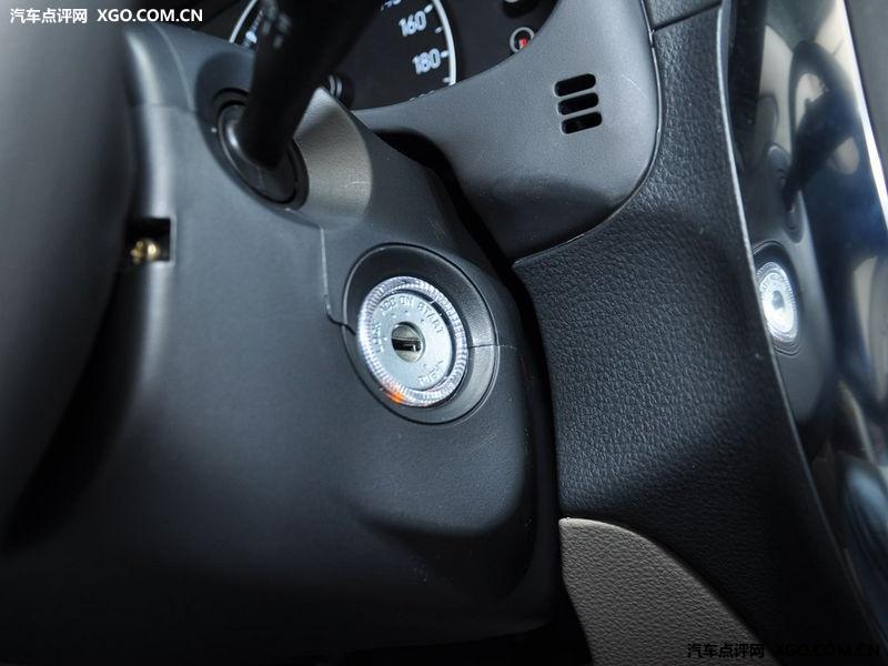 长安铃木 天语SX4 两厢 1.6AT 舒适型中控方向盘3030748高清图片