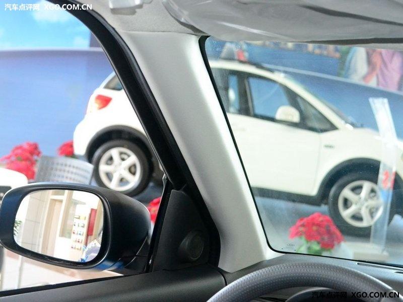 长安铃木 雨燕 1.5运动版 at车厢座椅3052938高清图片