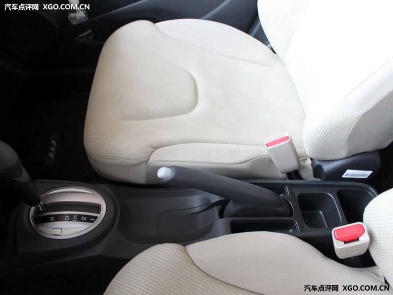 广汽本田 飞度 1.3at 舒适版车厢座椅3049949高清图片