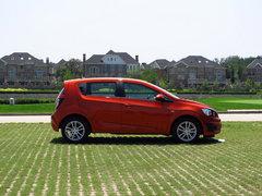 新兵还是老将 2011年上市小型车分析