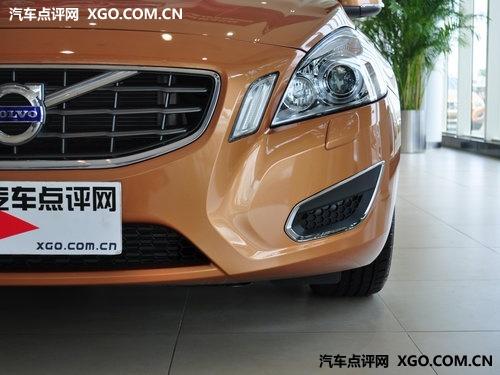 超值间的比较 奔驰C级与沃尔沃S60对比