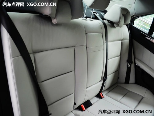 谁更舒适 凯迪拉克SLS赛威PK奔驰E260L