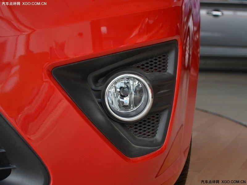 长安福特2011款 福克斯 两厢 1.8at 时尚型其它与改装图