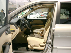 霸气SUV东风起亚狮跑 全系优惠1.5万