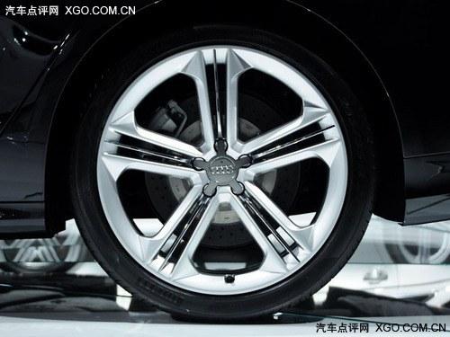 奥迪S8 (轮毂)作为奥迪S运动系列旗舰车型,奥迪S8一直都是...