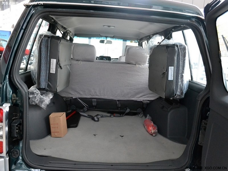 广汽长丰三菱绿2009款 猎豹黑金刚 2.4手动两驱车厢座椅图片3254735高清图片