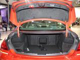 宝马M6后备箱
